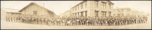 c1918 Army Training School for Chaplains and approved chaplain candidates, Camp Zachary Taylor, Louisville, Ky., Lining up for Mess