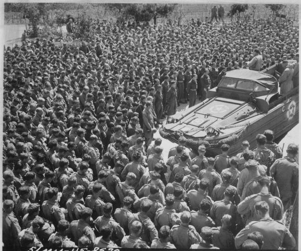 Chaplain-Woran-Italy-1945