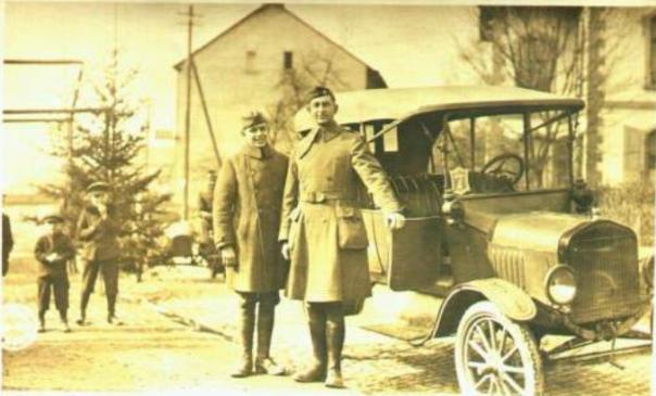 WW1 Chaplain & Assistant