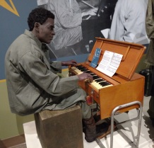Chaplain-Kit-Protestant-Korea-3-Piano