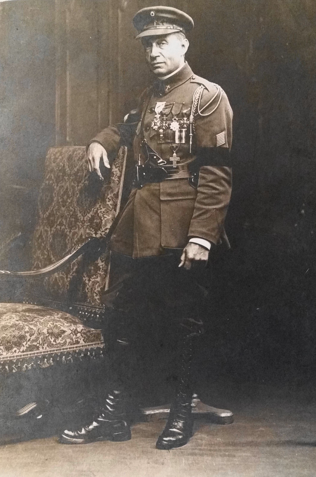bb8a5369105 WW1 Belgian Army chaplain with a variety of Belgian and French decorations  for bravery.