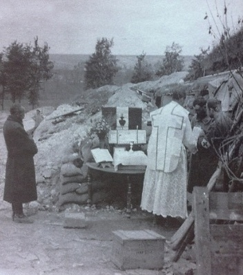 Mass celebrated at the front by a division chaplain.