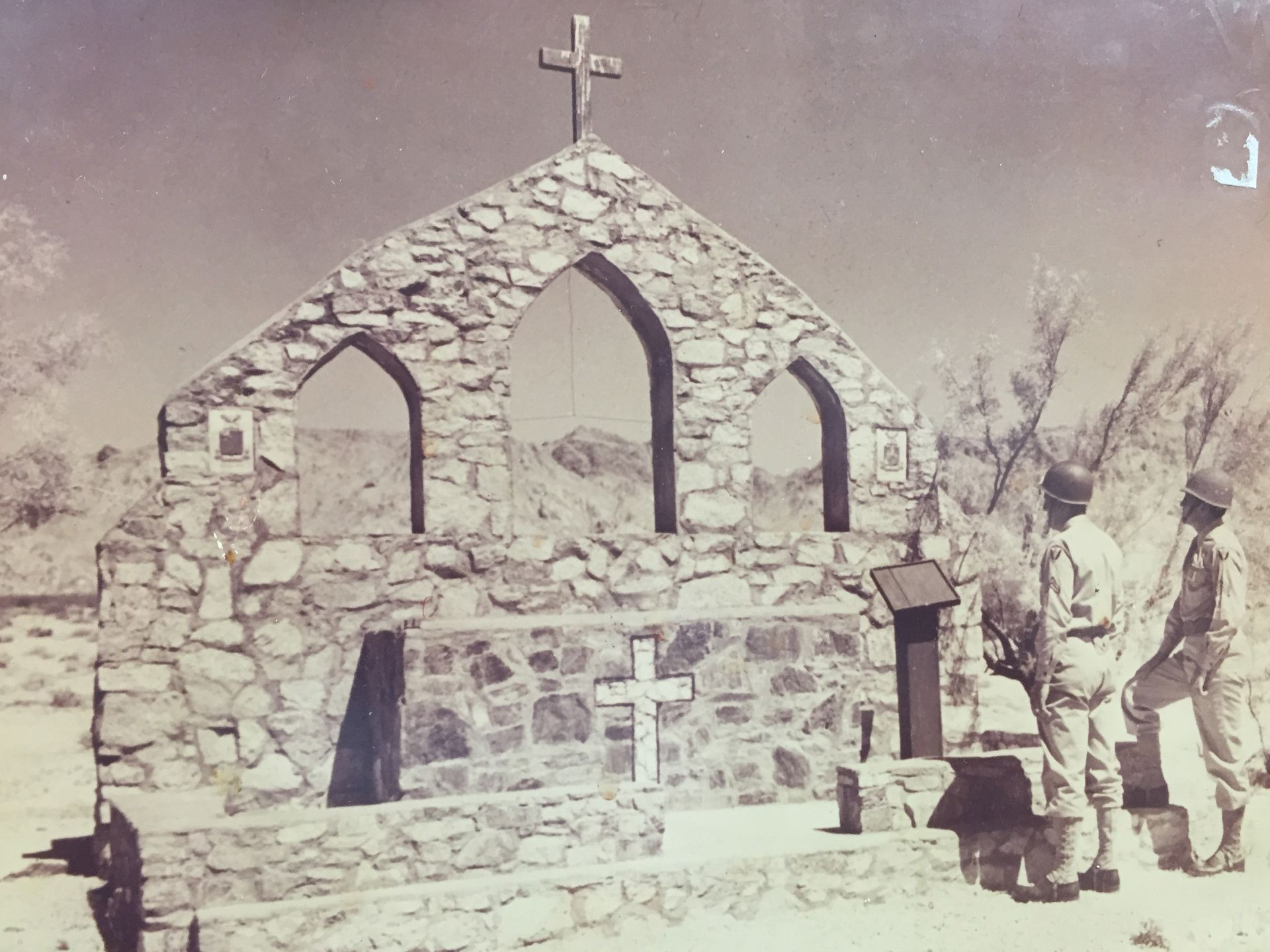 Chapel-Altar-Camp-Iron-Mtn-2