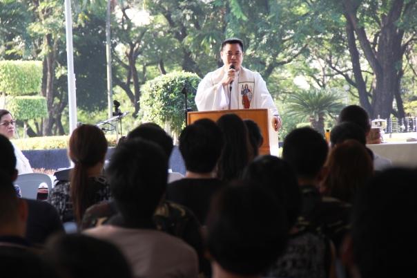 Chaplain-Philippine-Army-prayers-2