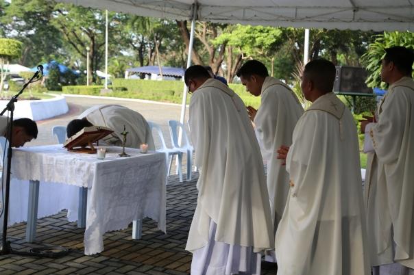 Chaplain-Philippine-Army-prayers