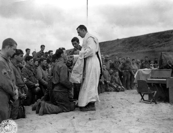 Afbeeldingsresultaat voor army chaplain 1944