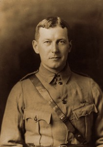 Flanders-Field-John_McCrae_in_uniform_circa_1914